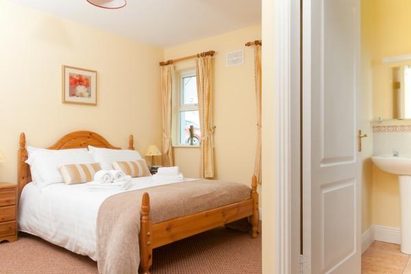 Abhainn Ri Cottages bedroom