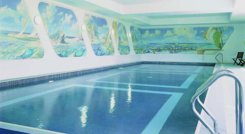 Dromhall Hotel Pool