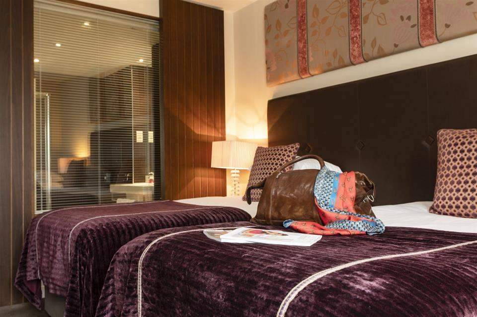 The Ross Hotel Bedroom