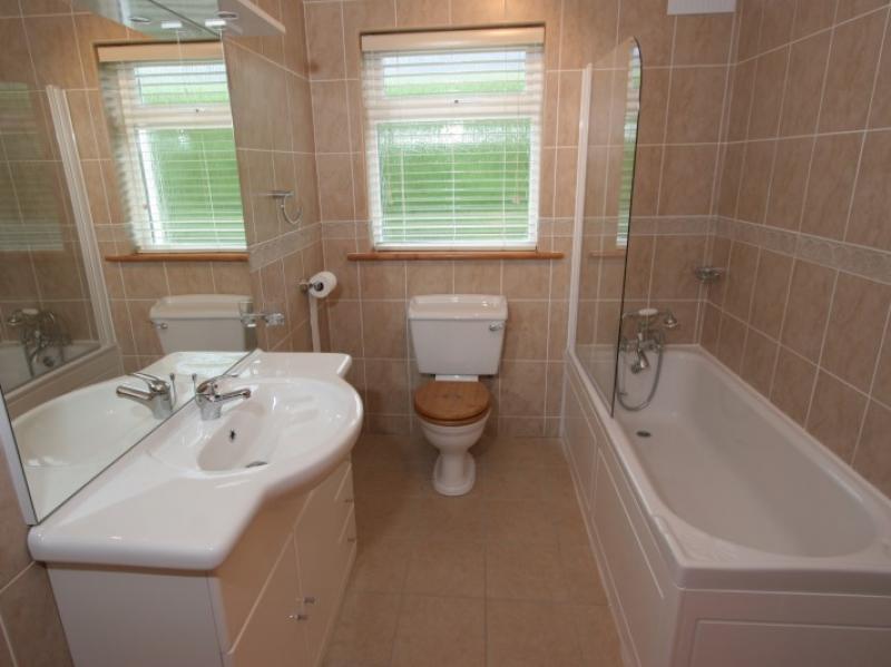 Ballymac Village Kilmuckridge Bathroom