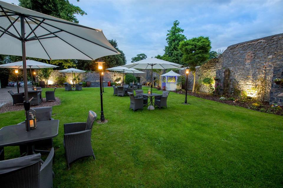 Hotel Kilkenny Courtyard