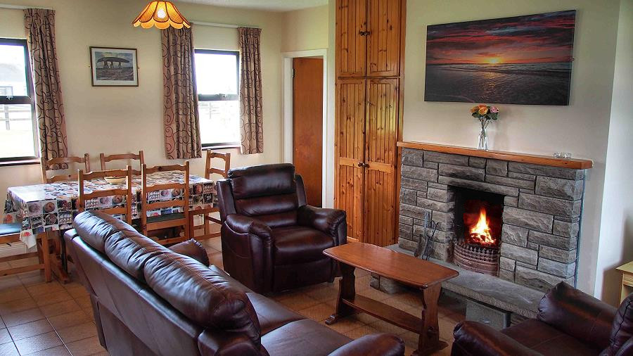 Quilty Holiday Cottages Living Room