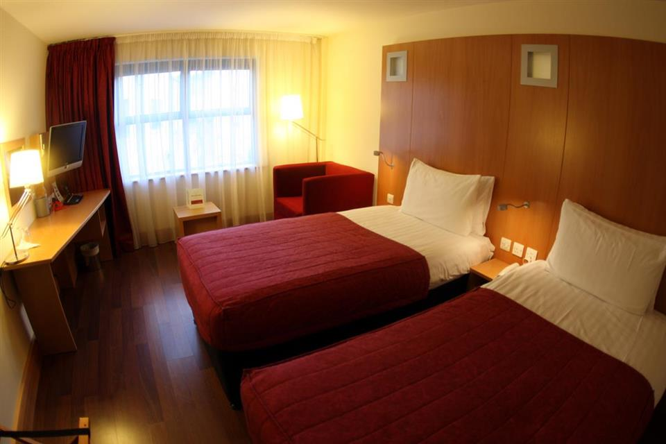 Station House Hotel Letterkenny Bedroom