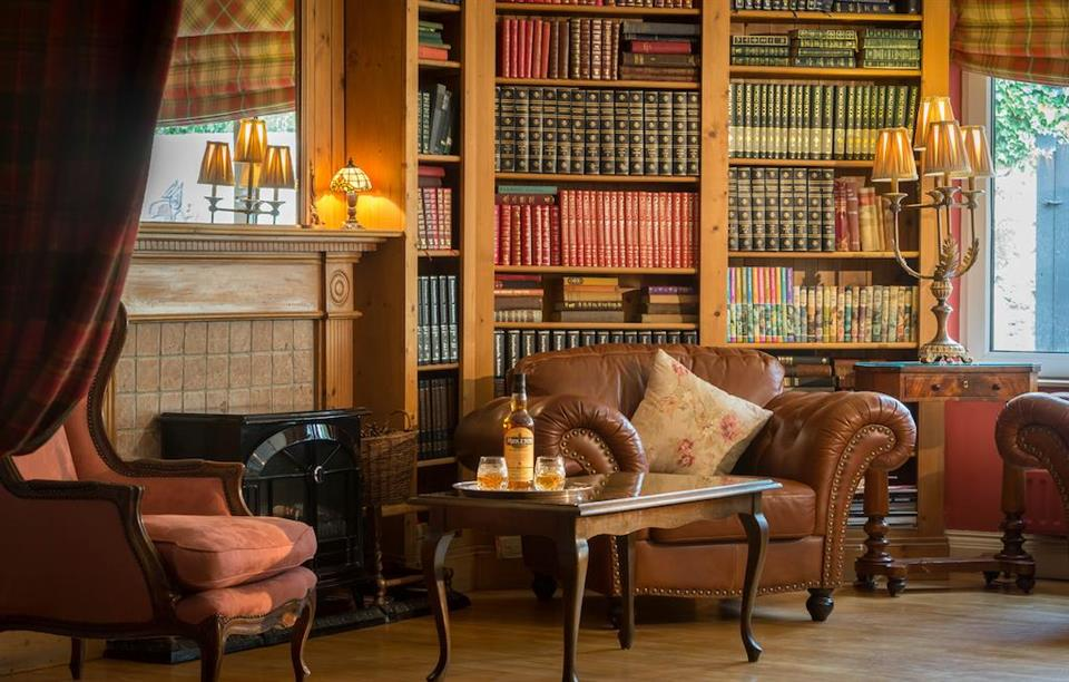 Dingle Benners Hotel - Library