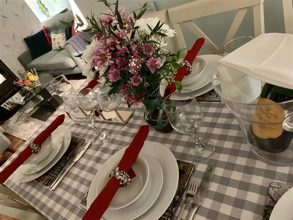Nonos Cottage dinner setting