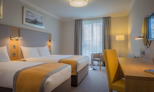 Maldron Hotel Sandy Road bedroom