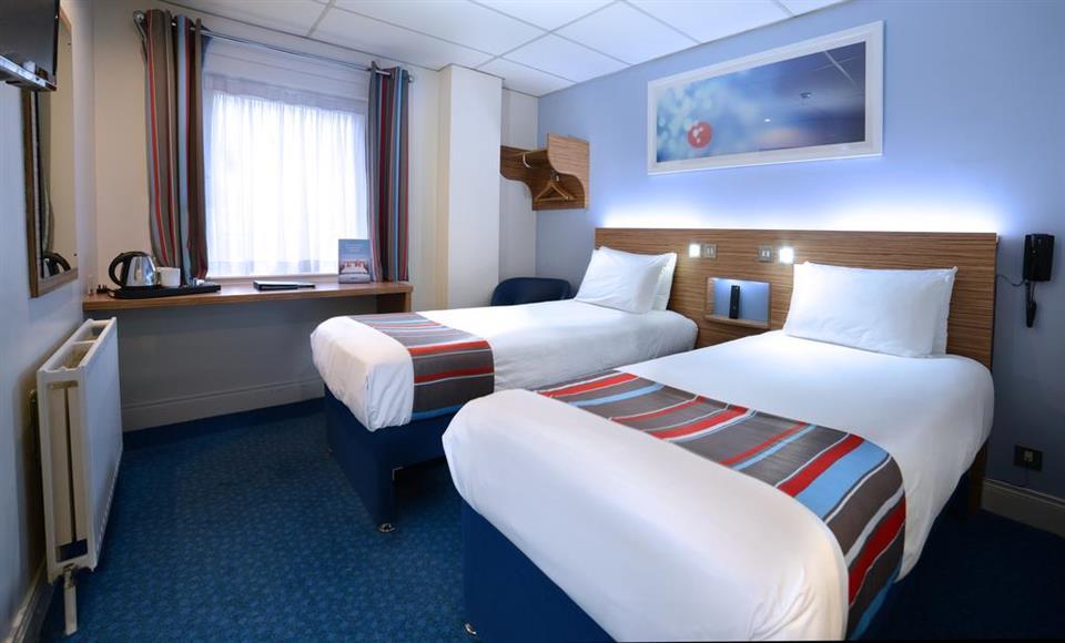Travelodge Dublin Airport Swords - Twin Bedroom