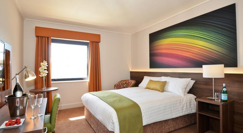 Nox Hotel_bedroom2
