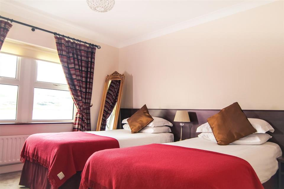 Arnolds Hotel Bedroom