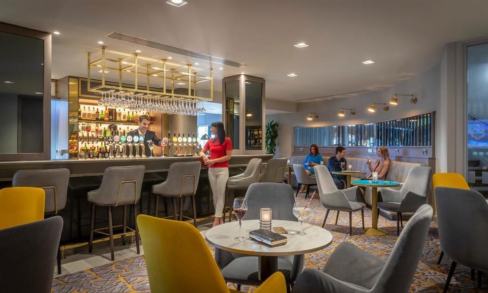Maldron Hotel South Mall Bar