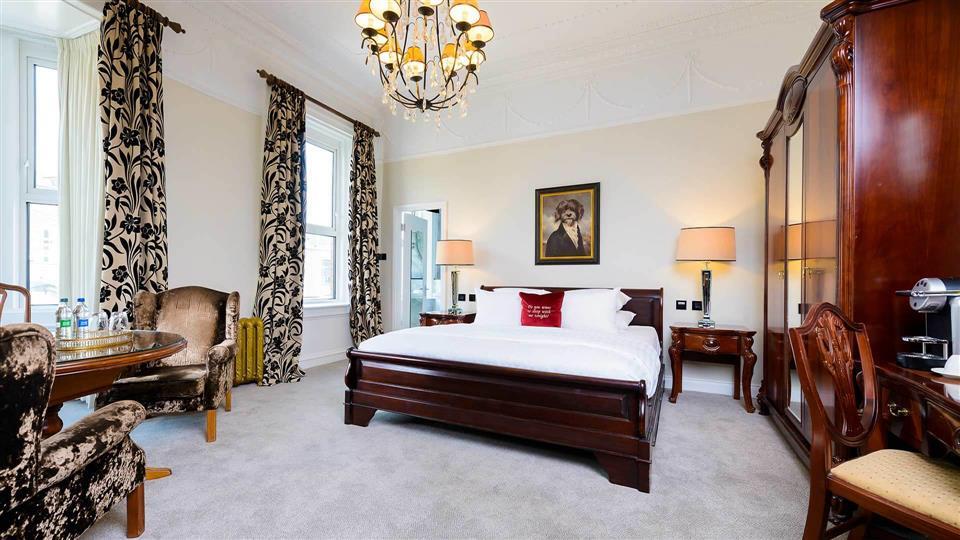 The Metropole Hotel Suite