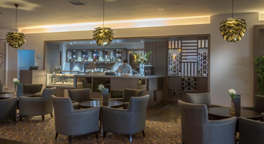Maldron Hotel Dublin Airport Bar