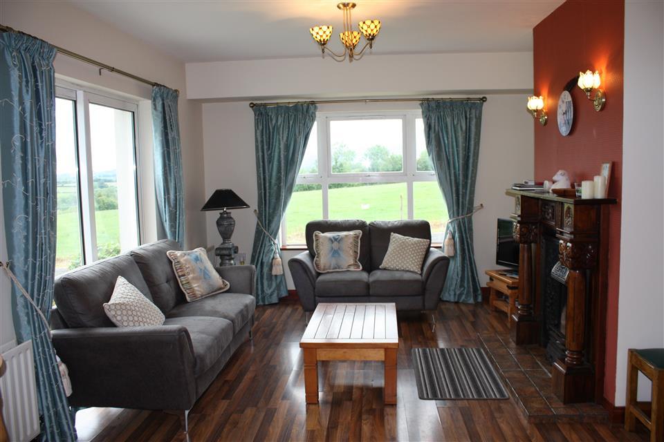 Cassidys Cottage 3 bedroom living room