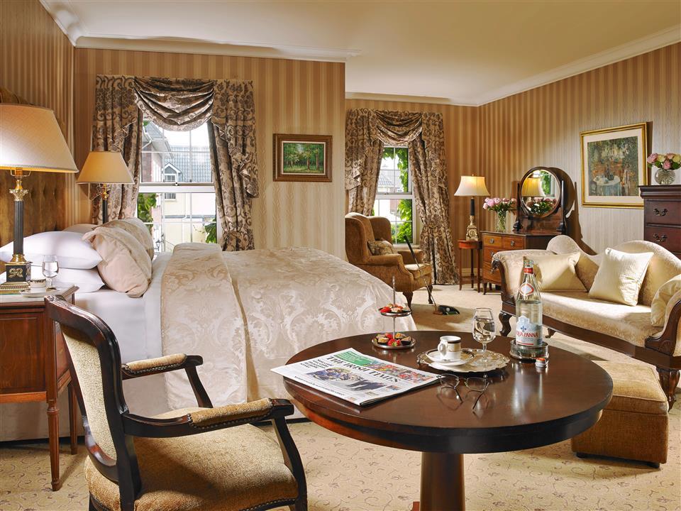 Deluxe Bedroom at Hayfield Manor