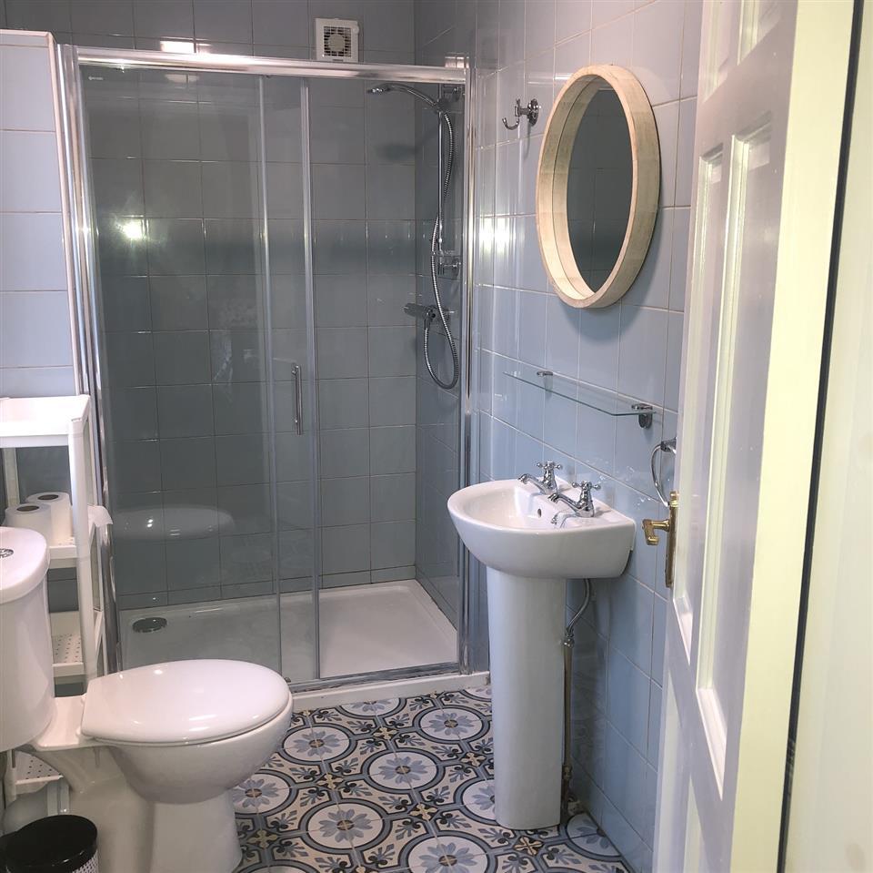 elderflower house bathroom
