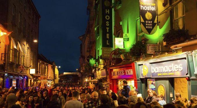 Menlo Park Hotel Shop Street