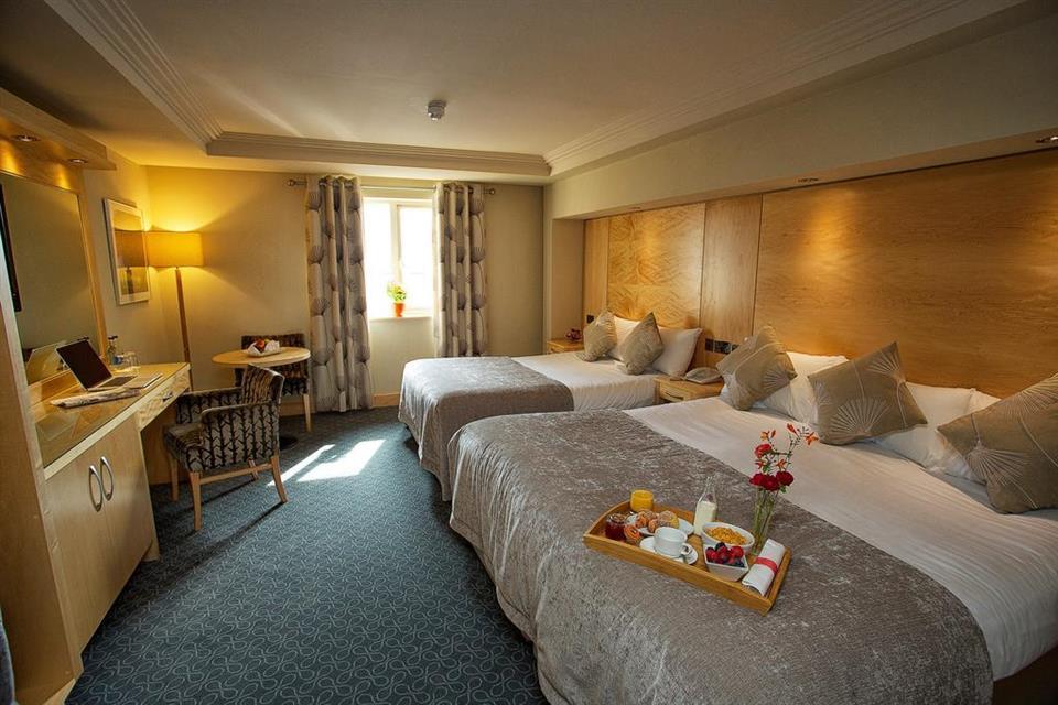 Torc Hotel Bedroom