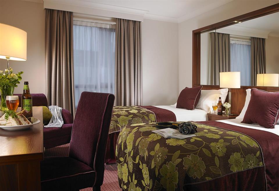 Camden Court Hotel Twin Room