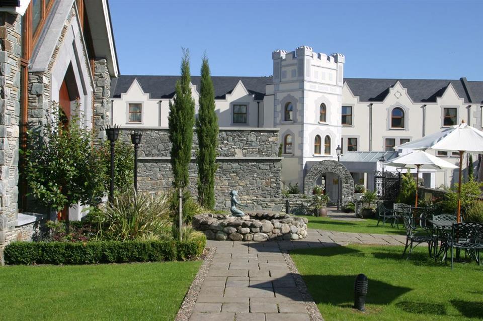 muckross park hotel patio garden