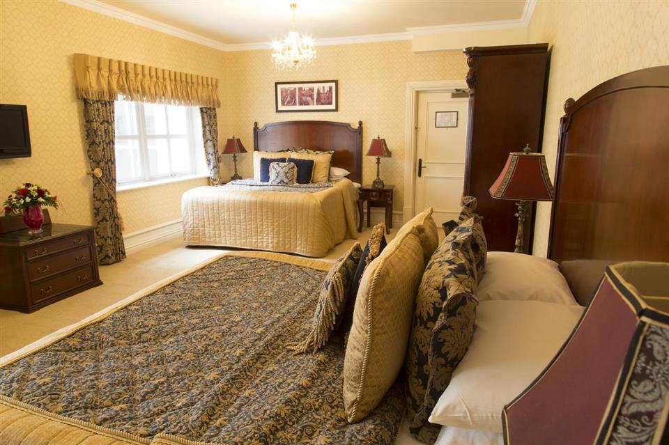 Kilronan Castle Bedroom