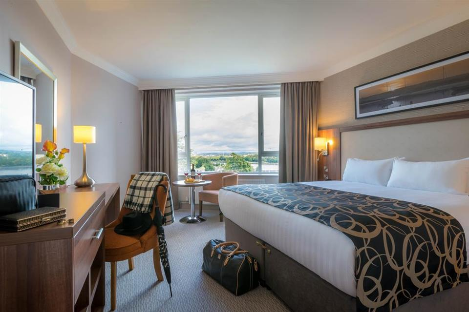 Clayton Hotel Silver Springs Riverview Bedroom