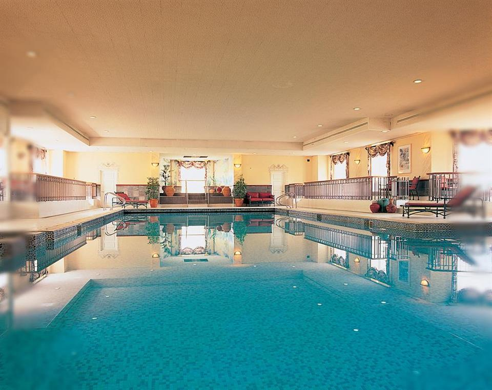 Nuremore Hotel Country Club Swimming pool