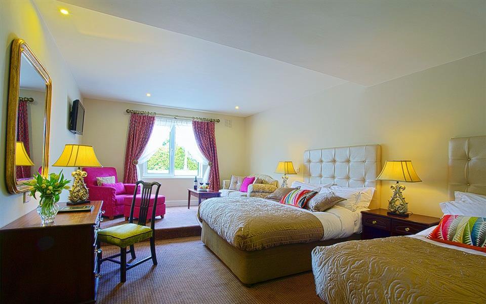 Fitzgeralds Woodlands House Hotel bedroom
