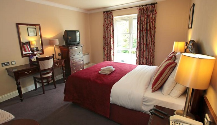 Riverside Hotel Killarney bedroom