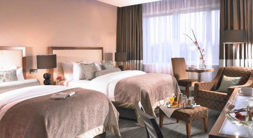 Rochestown Park Hotel Suite