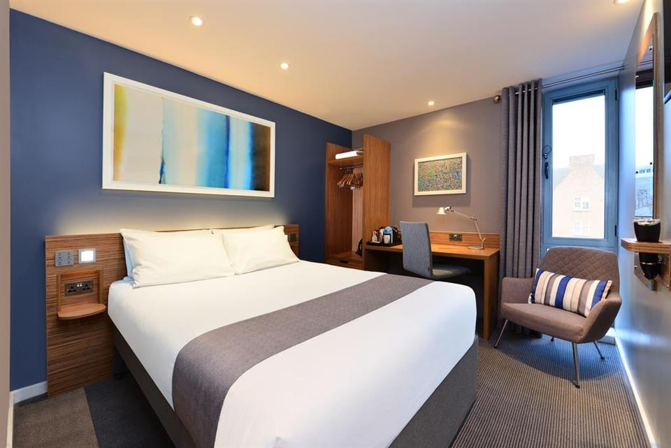 Travelodge Galway - Double Bedroom
