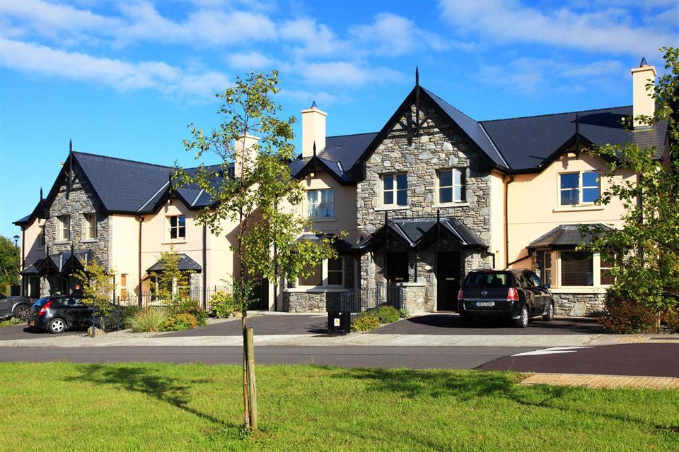 Ardmullen Oak Holiday Homes exterior