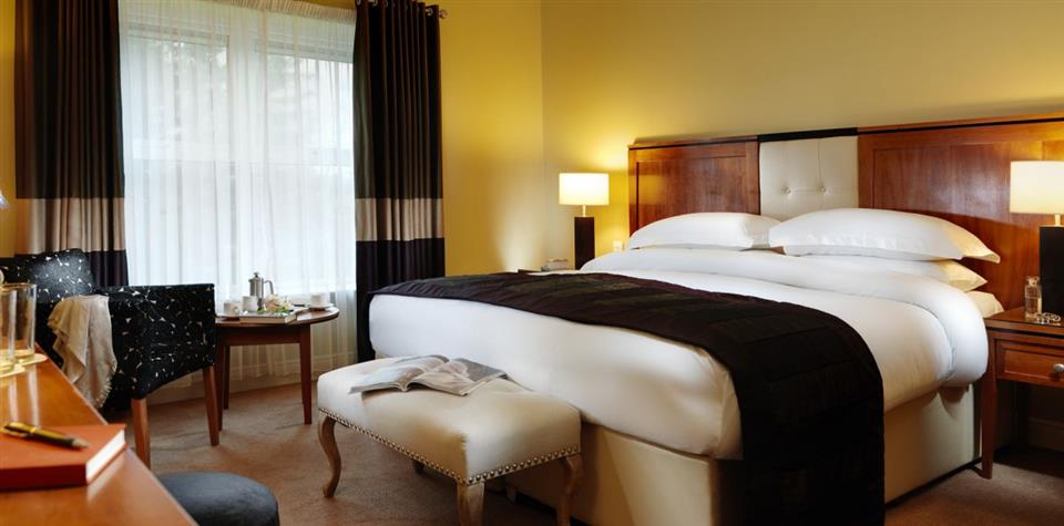 Brook Lane Hotel bedroom