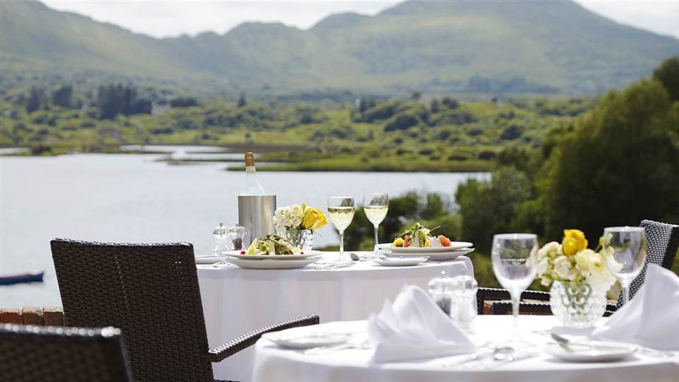 Golden Cove Apartments at Sneem Hotel restaurant
