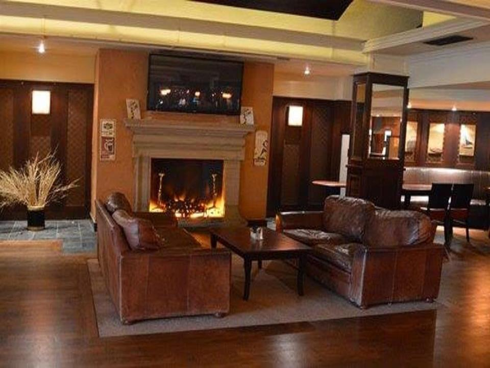 Brandon Hotel Lounge