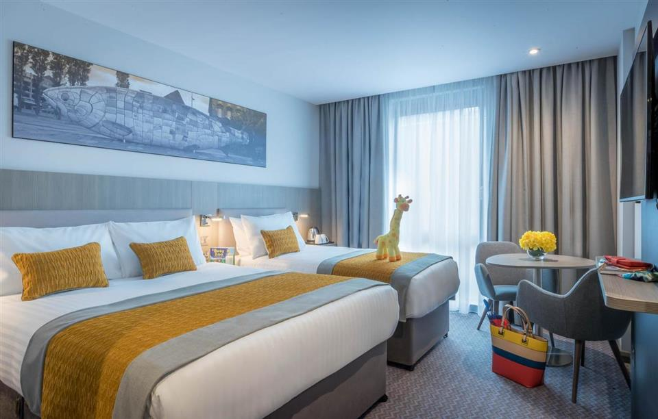Maldron Hotel South Mall Family Room