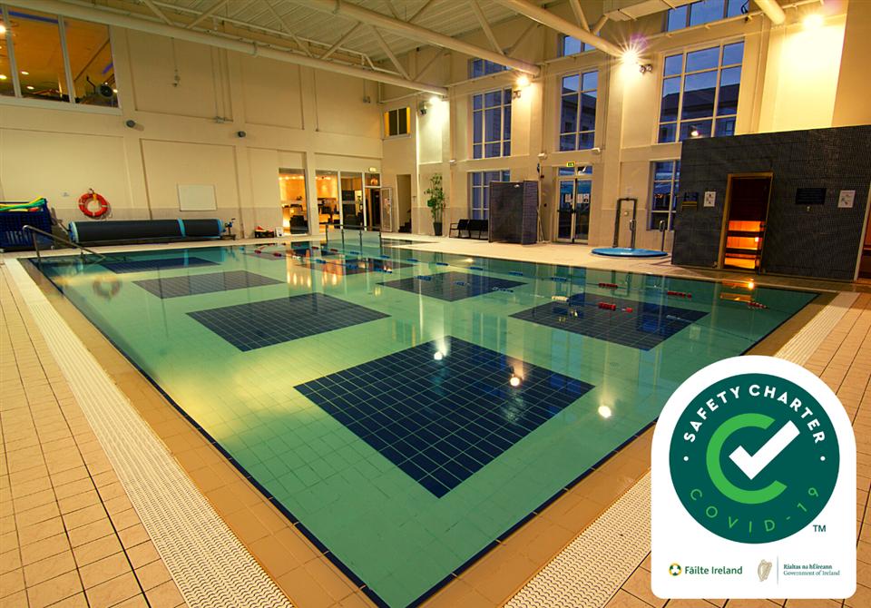 Clybaun Hotel Swimming Pool
