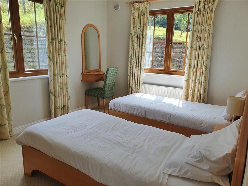 Lough Allen Lodge Bedroom