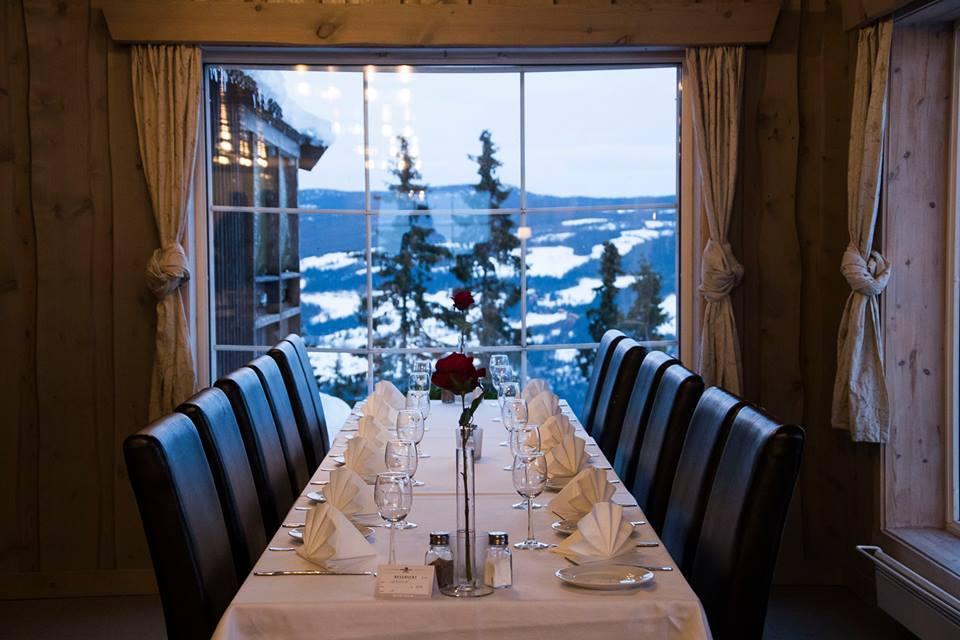 Kvitfjell Hotel AS Matsal