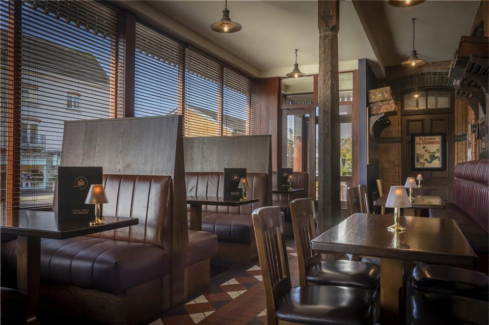 Signal Bar & Restaurant