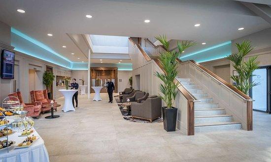 Clayton Hotel Silver Springs Lobby