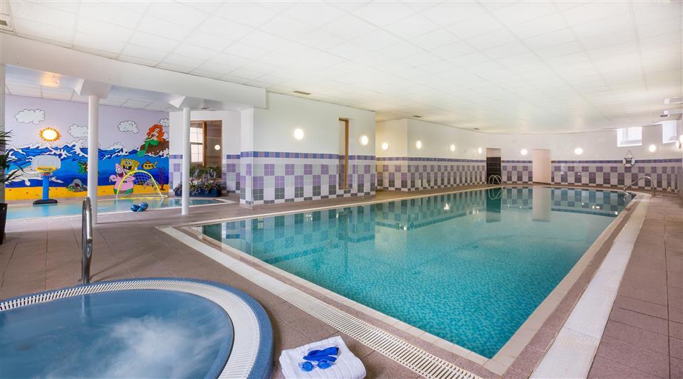 Maldron Hotel Swimming Pool