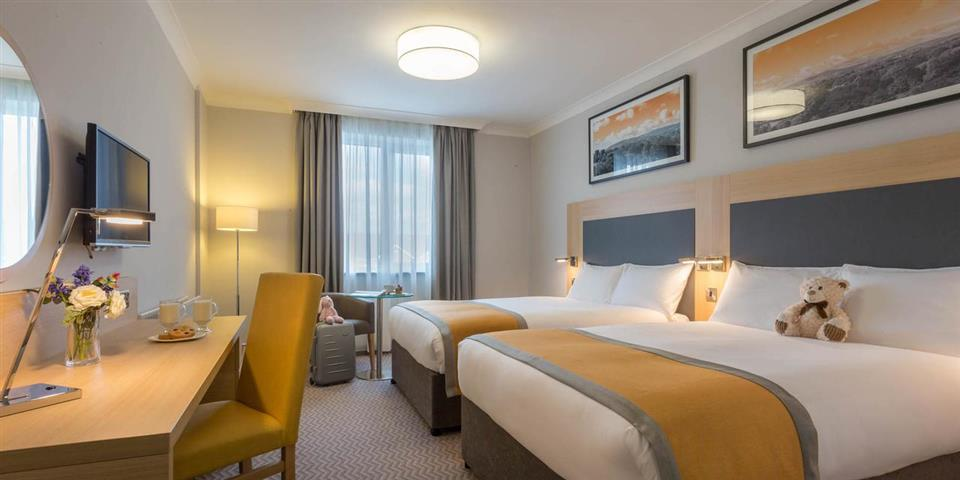 Maldron Hotel Galway family Bedroom