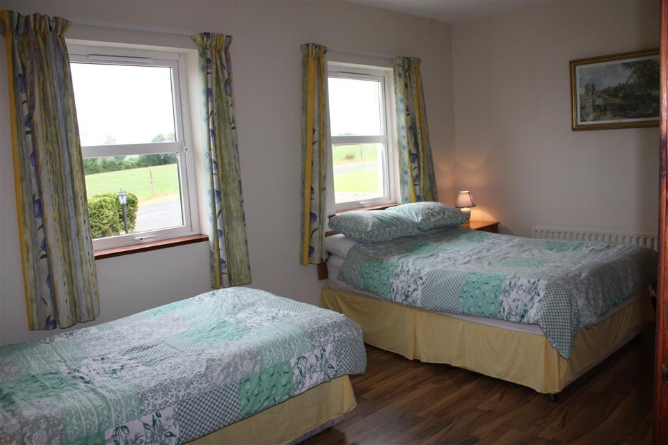Cassidys Cottages 3 bedroom house triple room