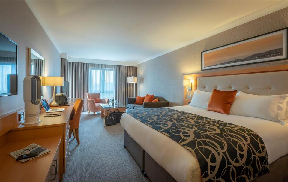 Clayton Hotel Leopardstown Superior Room