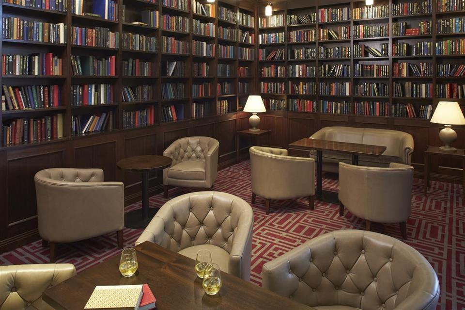 Clayton Hotel Dublin Airport Lounge