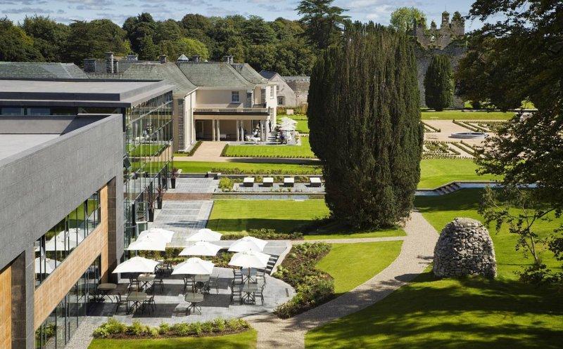 Walled Garden Lodges Extrior