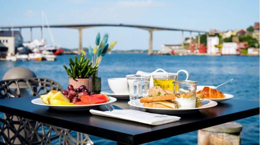 Thon Hotel Kristiansund Frukost vid vattnet