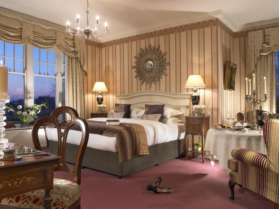 Randles Hotel Bedroom