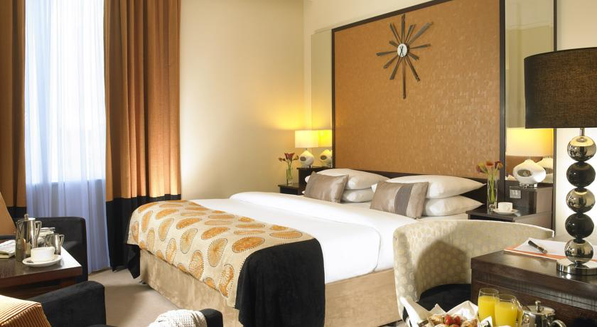Carlton Blanchardstown  Hotel Bedroom