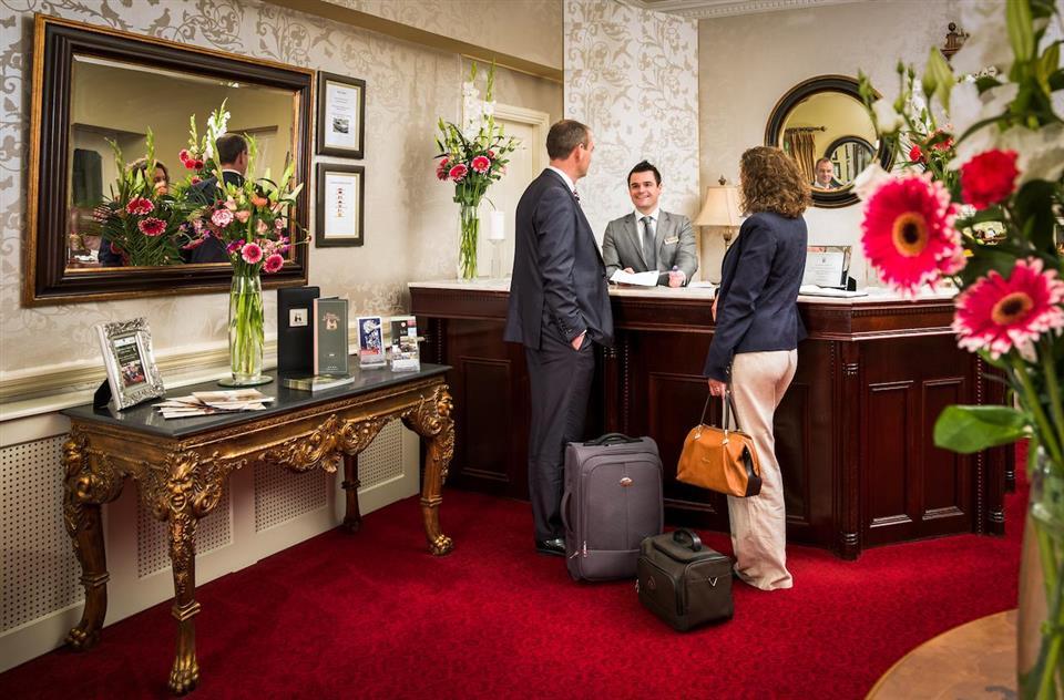 Vienna Woods Hotel Reception